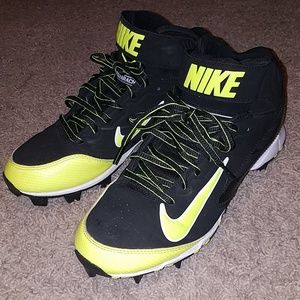 NIKE huarache high top cleats size 7.5